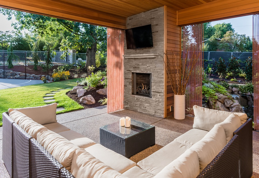 THE BEST IN OUTDOOR ENTERTAINMENT FOR YOUR HAMPTONS HOME
